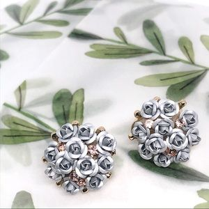 Matte silver Rose Bouquet Round Earrings